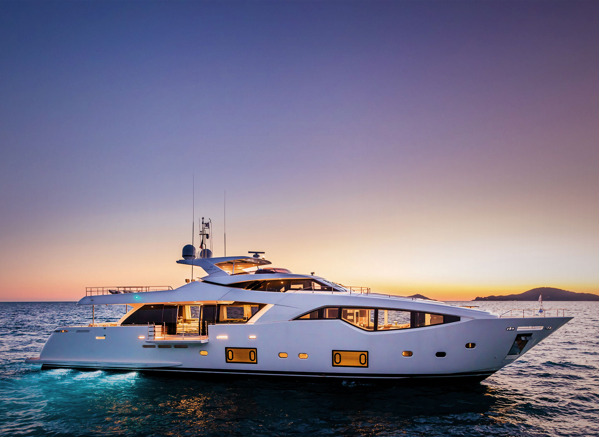 Yacht-charter-VVIP-travel